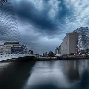 Beautiful long exposure image from Samuel Becket Bridge in Dublin